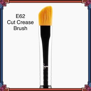 SIGMA BEAUTY E62 Cut Crease Brush NEW